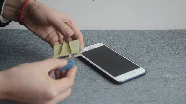 DIY phone holder stand step2