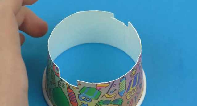 make paper cup phone stand.
