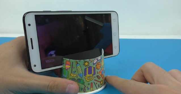 paper cup phone stand.